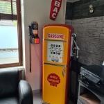 pompe-SHELL-GAZOLINE-chez-le-client-avec-enseigne-TABAC